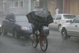 Pioggia e bici, io e 3 vecetti.